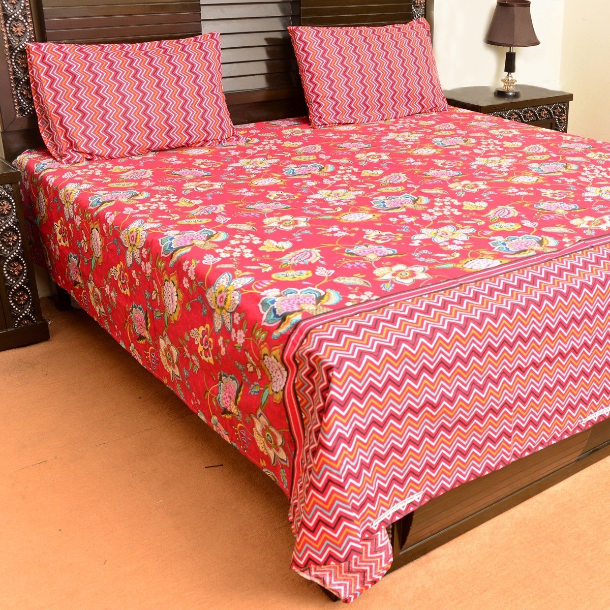 Floral red cotton bed sheet with 2 pillow cases
