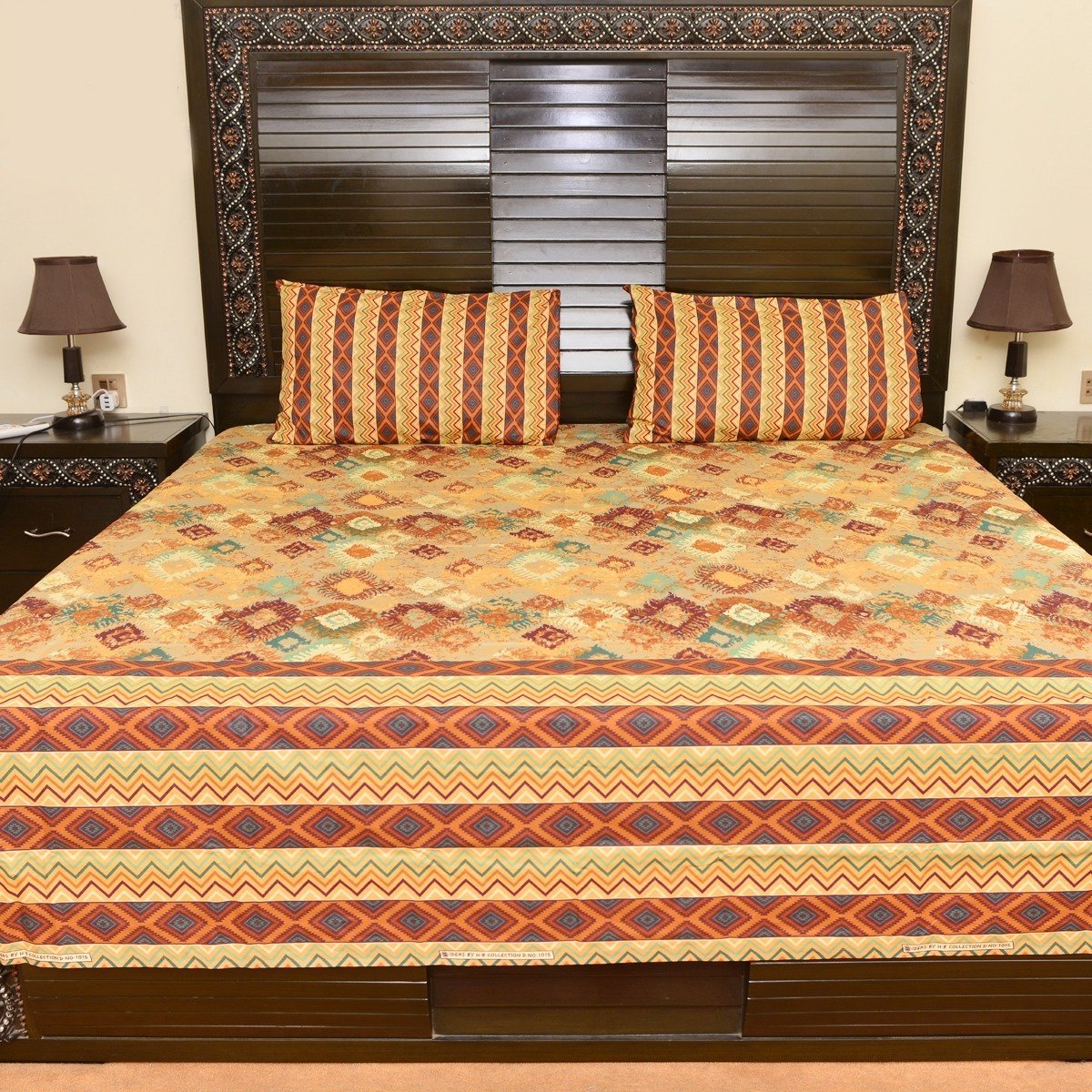 Elegant orange cotton bed sheet with 2 pillow cases