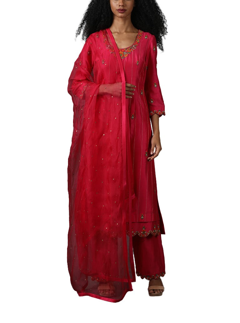 Pink kurta set with sarara