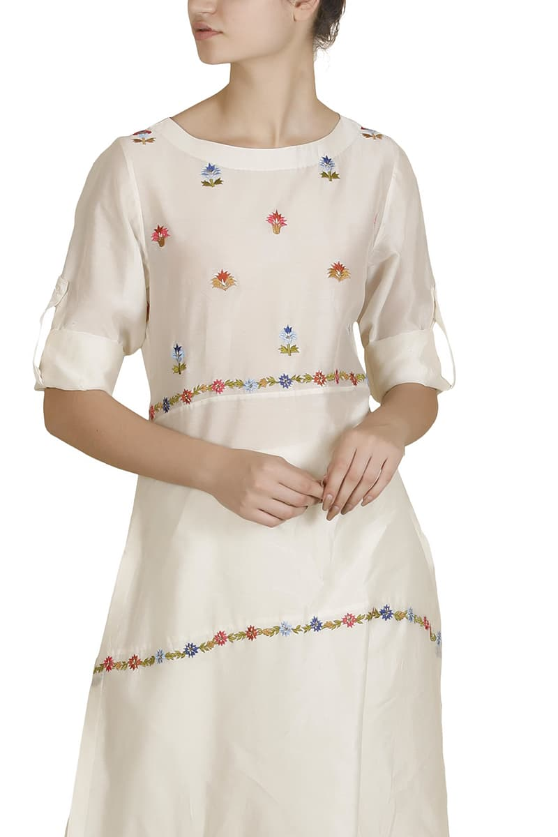 Embroidered Panelled Kurta