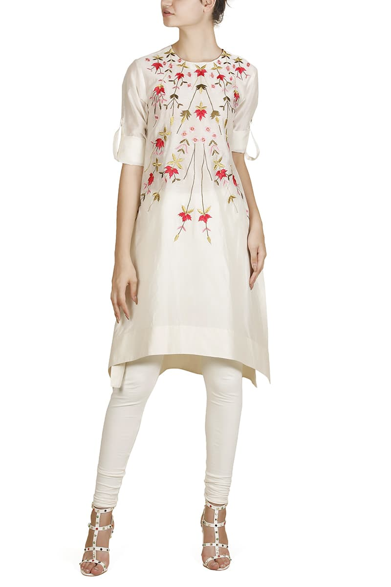 Curved Hemline Embroidered Kurta