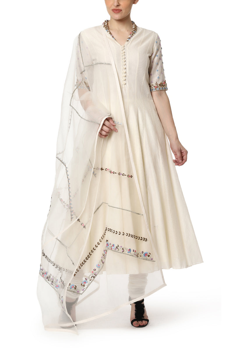 Kurta with Sleeve and Neck Detailing