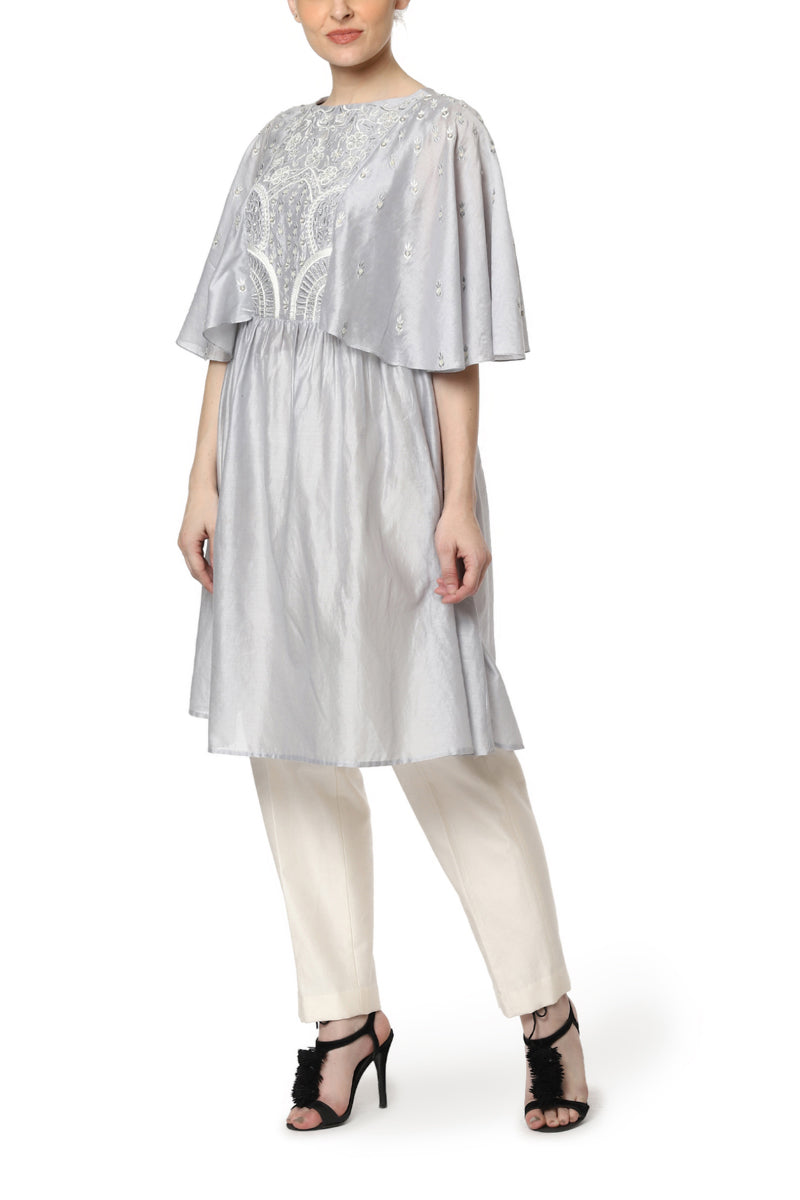 Embroidered Kurta with Kaftan Sleeves