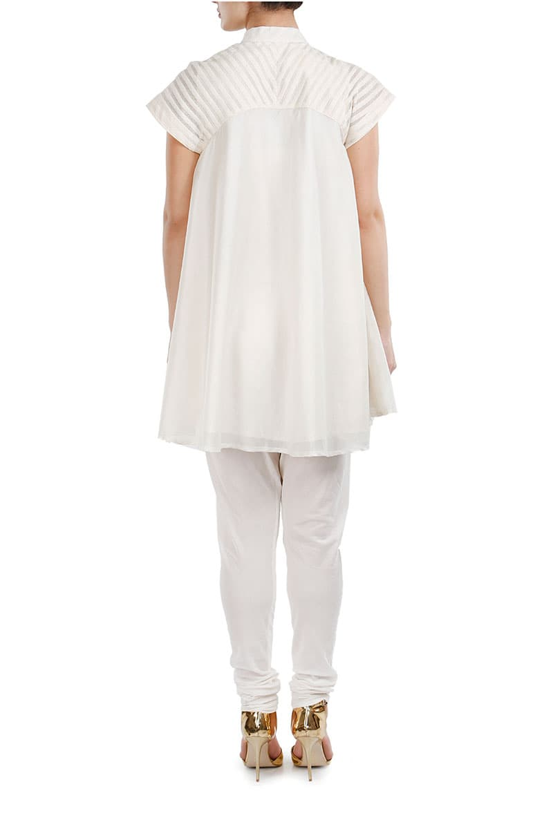 Mandarin-collared Embroidered Short Kurta