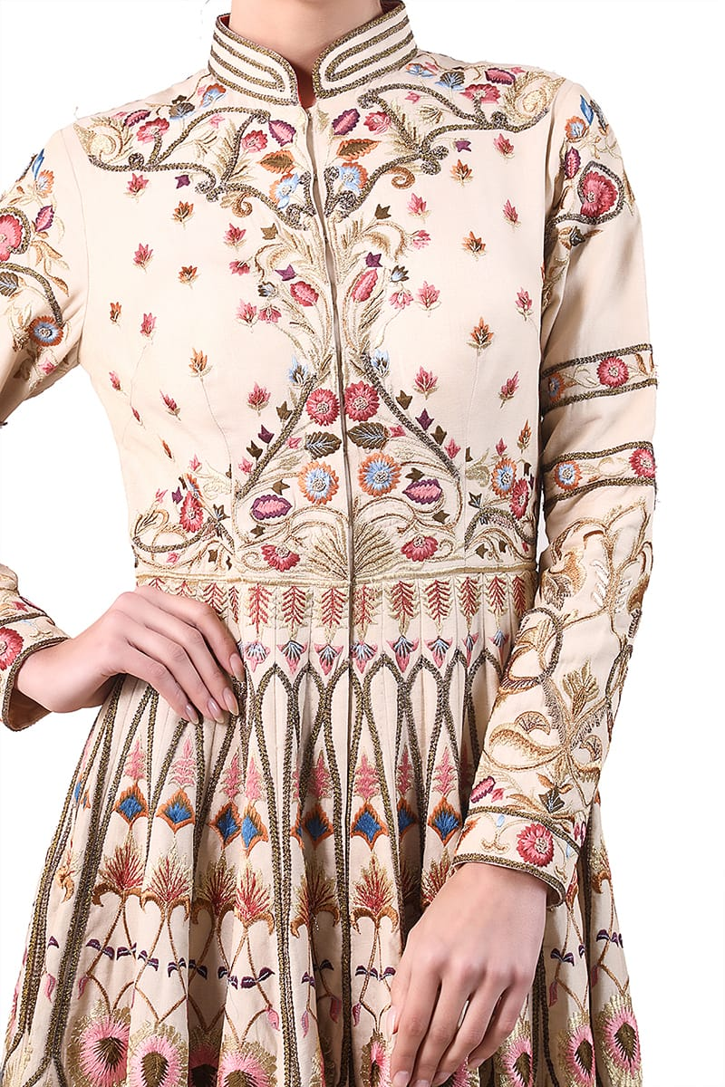 Mandarin Collared Embroidered Kurta
