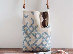 Everyday tote bag - Petal print