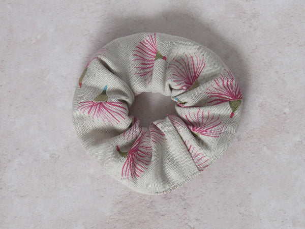 Linen scrunchie - Gum flower