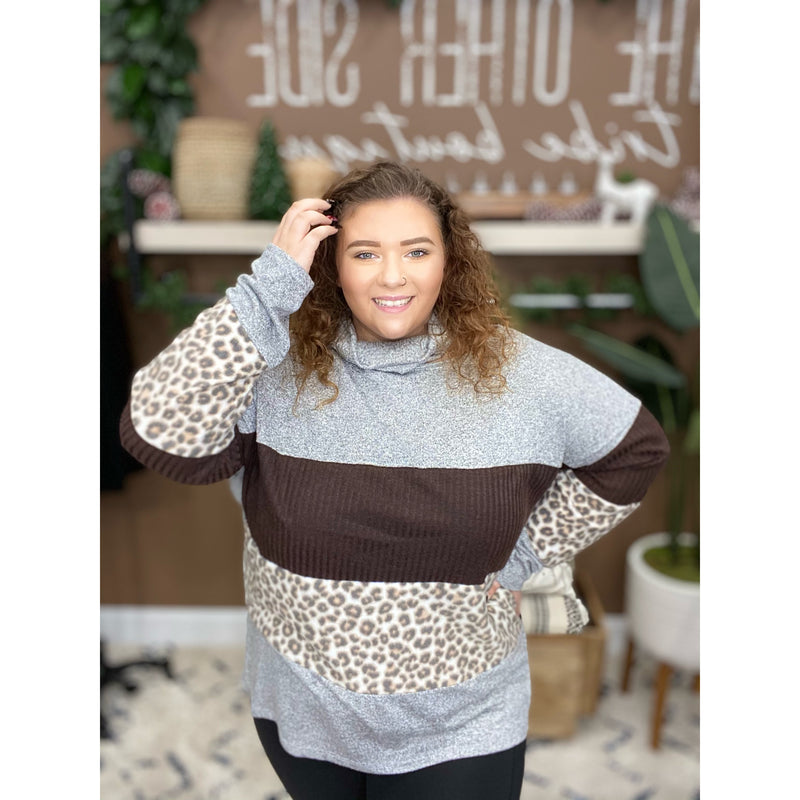 897 GREY ANIMAL PRINT BLOUSE