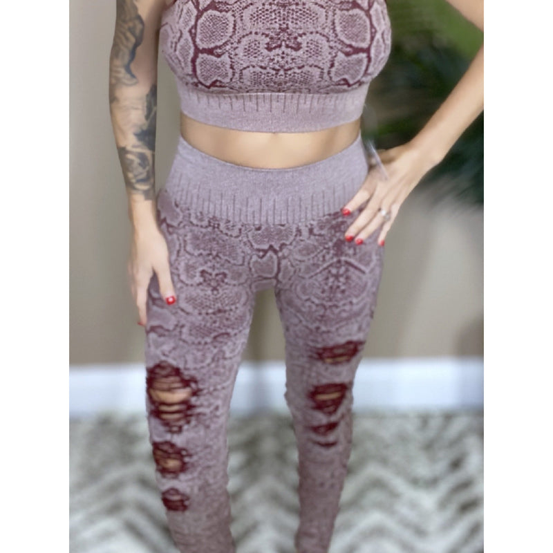 937 Burgundy Seamless Snakeskin Print Leggings