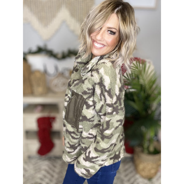 638 Olive Camouflage Sherpa*