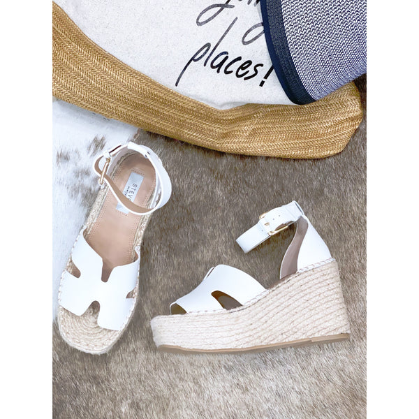 SM1 Steve Madden White Leather Jackal Wedges