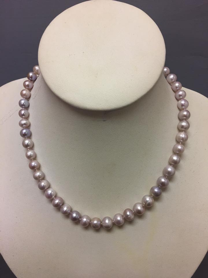 "16.5"" Light Mauve Authentic Fresh Water Pearls Necklace"