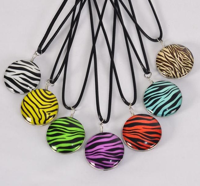 MS-0069 Black Zebra Double Sided Glass Dome Necklace