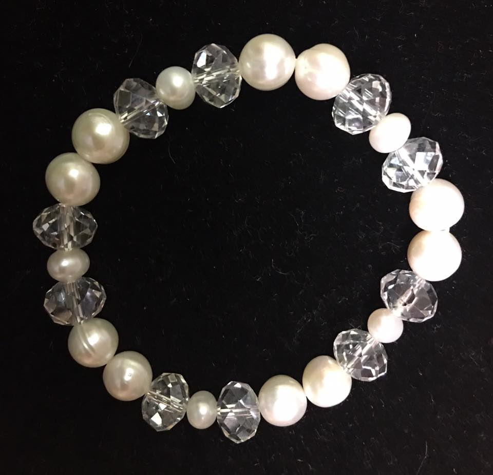 Stretchy White Authentic Fresh Water Pearls Bracelet  with White Crystals