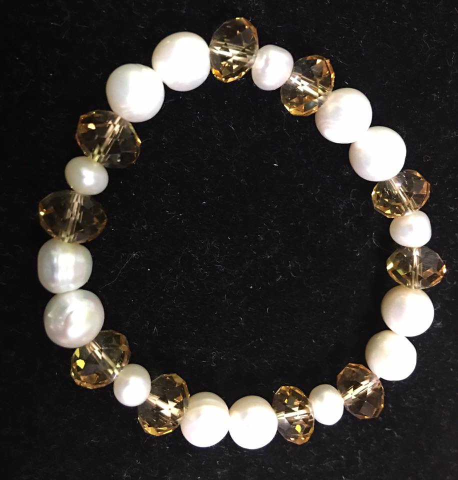 Stretchy White Authentic Fresh Water Pearls Bracelet with Light Brown Crystals