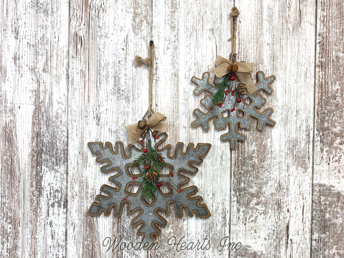 "CHRISTMAS DECORATIONS Xmas Decor Snowflake *Wall Hanging Pine Berries 8"" or 12"" Ornament"