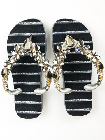 Customized HAVAIANAS flip-flop sandal | hand made with black and gold pattern  - Comes with a bag and a face mask with the same pattern