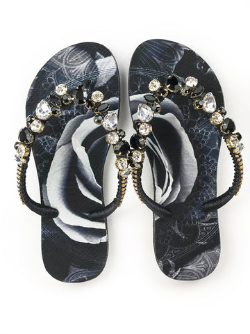 Hand made customized HAVAIANAS flip-flops | exclusive black and white floral pattern | crystal and black rhinestones - Comes with a bag and a face mask with the same pattern - SLIM MODEL
