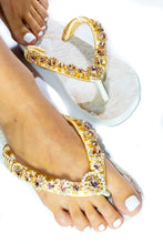 Load image into Gallery viewer, Customized HAVAIANAS, exclusive floral pattern, rose rhinestones crystals - TOP