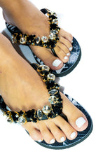 Load image into Gallery viewer, Customized HAVAIANAS, exclusive black and white floral pattern, crystal and black rhinestones - TOP