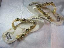 "Load image into Gallery viewer, GROOM'S MOTHER Customized HAVAIANAS, exclusive floral pattern with ""Groom's Mother"", golden crystal rhinestones - TOP"