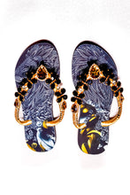 Load image into Gallery viewer, Customized HAVAIANAS, exclusive lion pattern, animal print, black and gold rhinestones/crystals - SLIM