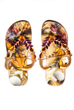 Load image into Gallery viewer, Customized HAVAIANAS, exclusive starfish and sea shells pattern, dark purple and ambar rhinestones/crystals - TOP