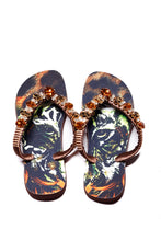 Load image into Gallery viewer, Customized HAVAIANAS, exclusive tiger pattern, animal print and brown rhinestones/crystals - TOP