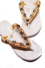 Load image into Gallery viewer, Customized HAVAIANAS, exclusive floral pattern, golden crystal rhinestones - TOP