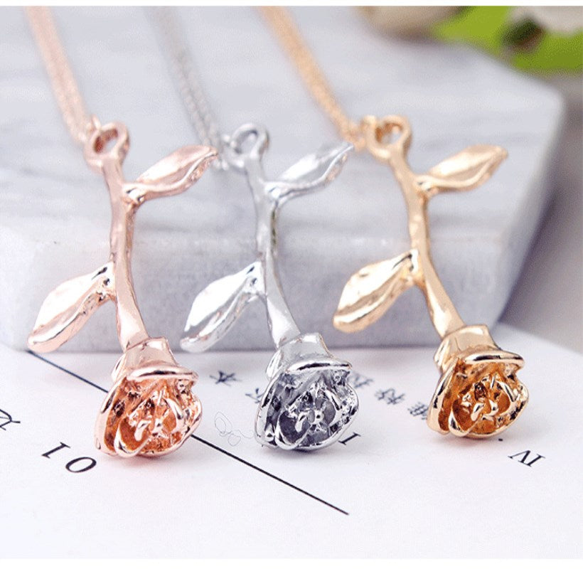 Rose Necklace - aesthetic