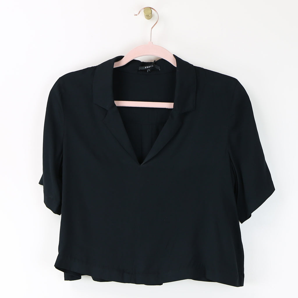 Collared Black Crop Top -DI