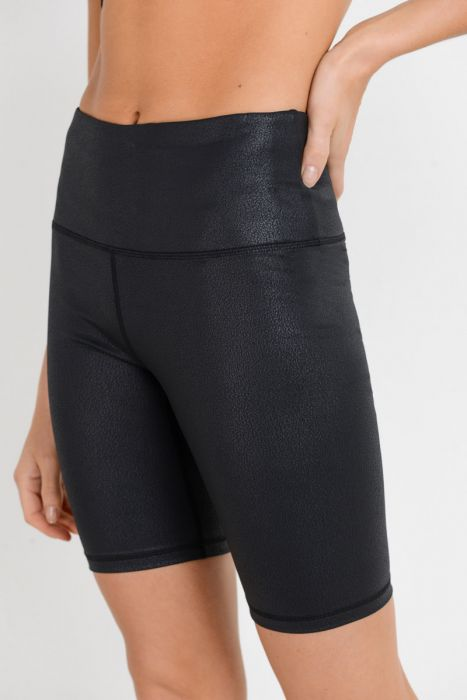 Highwaist Black Foil Scale Print Short