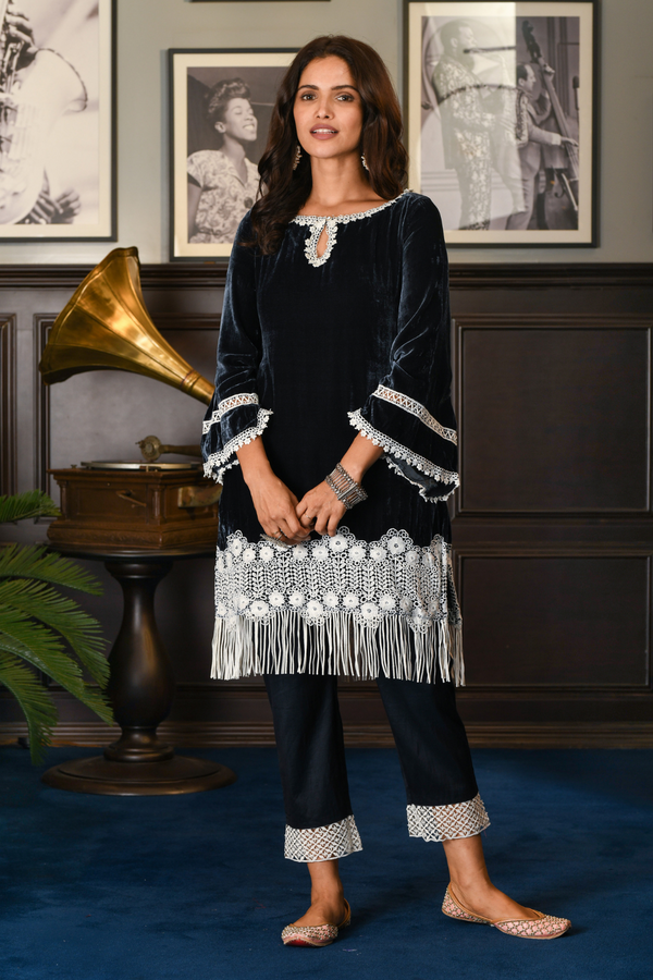 Makhmal Fern Kurta with Fern Pyajama