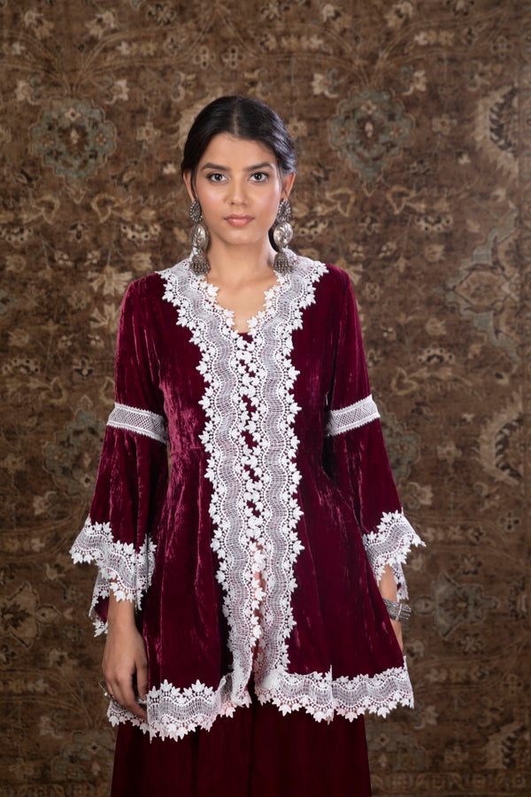 https://cdn.shopify.com/s/files/1/0088/4031/4931/files/Makhmal_Pine_Wine_Kurta.mov?2165