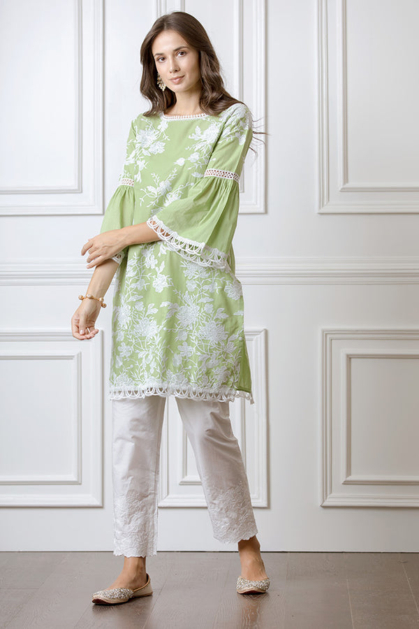 Mulmul Cecilia Green Kurta with Floral Embroidered Pyajamas