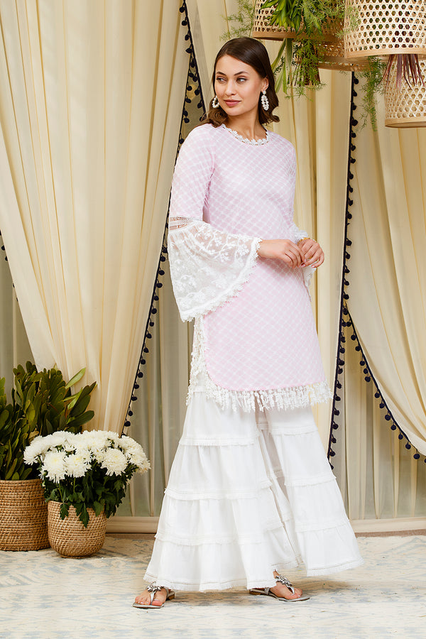 https://cdn.shopify.com/s/files/1/0088/4031/4931/files/MULMUL_ASPEN_KURTA_pink.mp4?v=1586773241