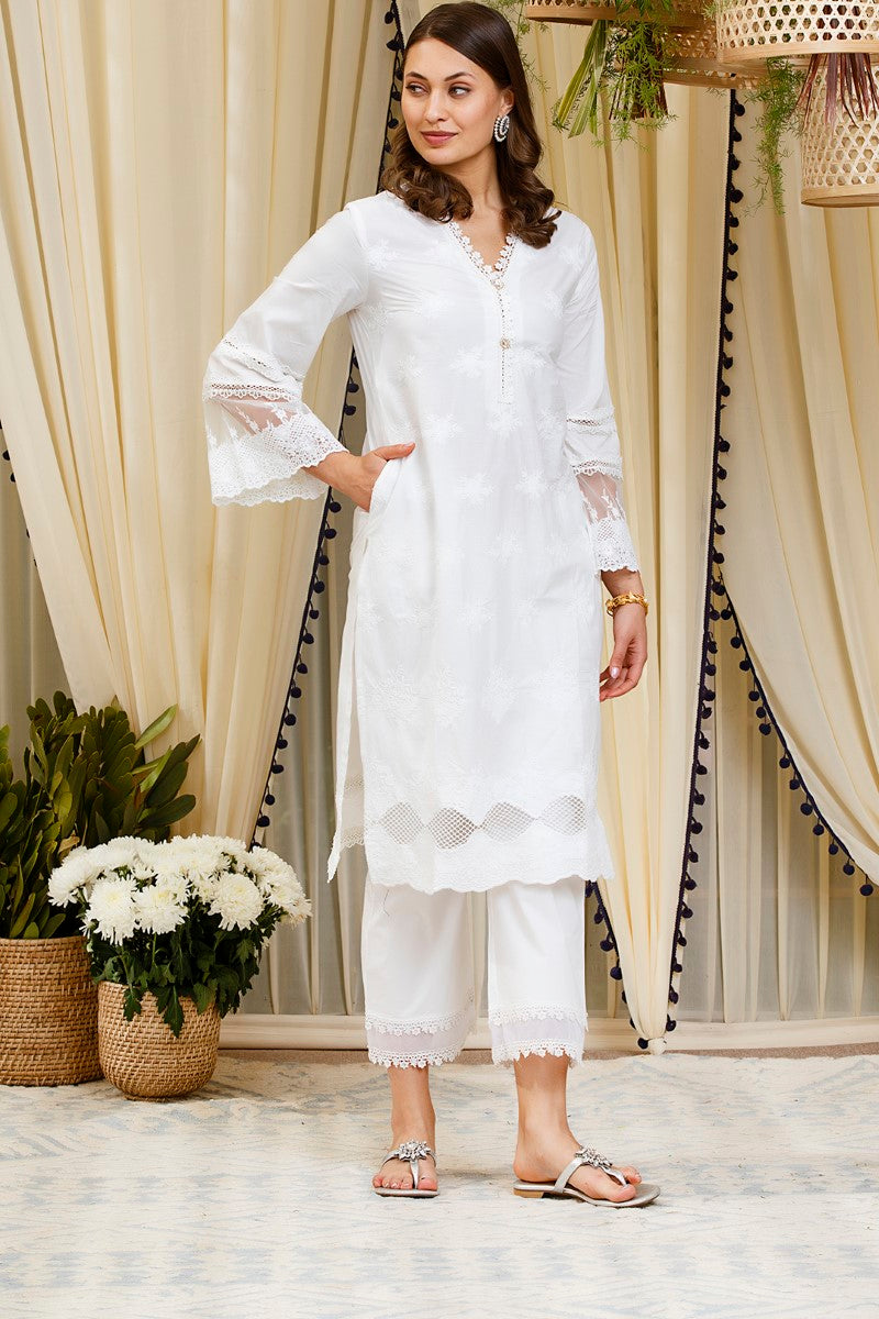 https://cdn.shopify.com/s/files/1/0088/4031/4931/files/PETUNIA_KURTA_White.mp4?v=1586773234