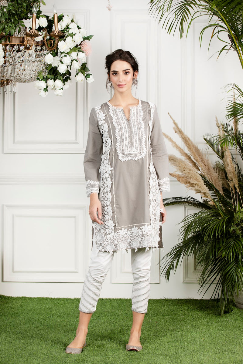 Mulmul cotton  quill kurta with gota daigonal pyajamas