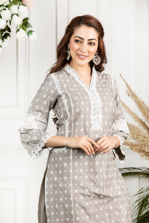 https://cdn.shopify.com/s/files/1/0088/4031/4931/files/Winterberry_Kurta-_Grey.mov?2840