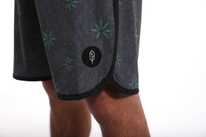 Invictus Relax Palm Scalloped High Performance Short