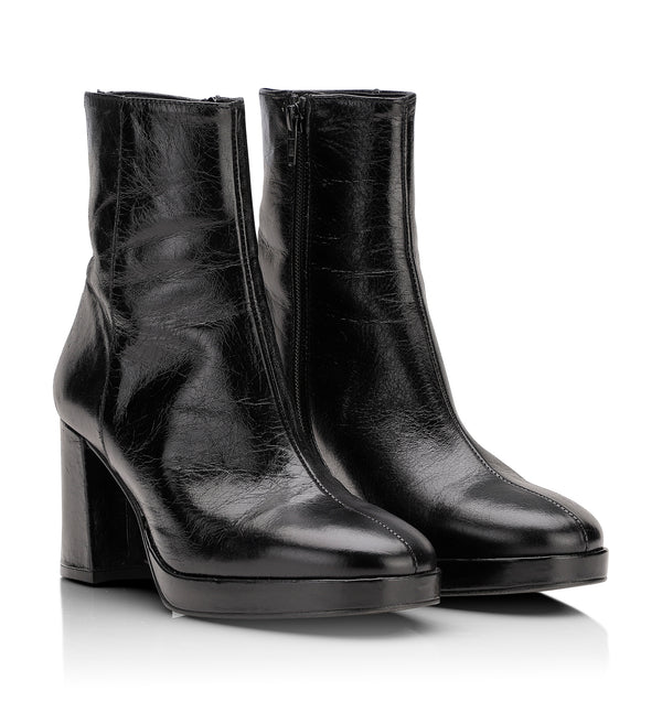 Shoe Biz Kitt Short Boot Black