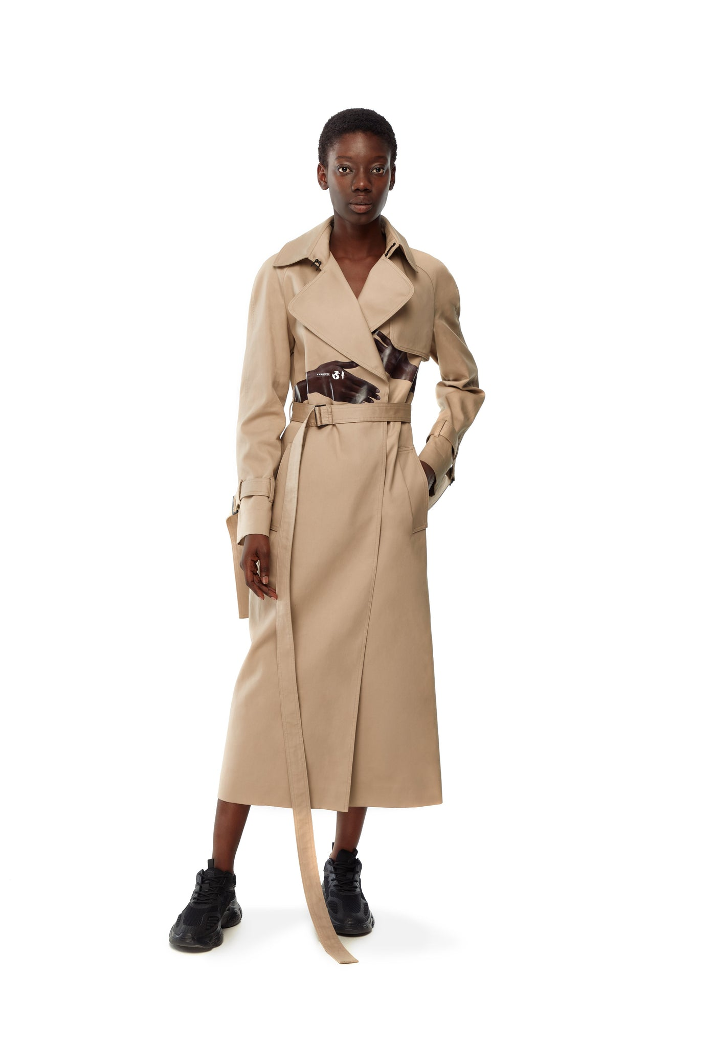 BEIGE TRENCH COAT BODY