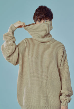 OVERSIZED SWEATER