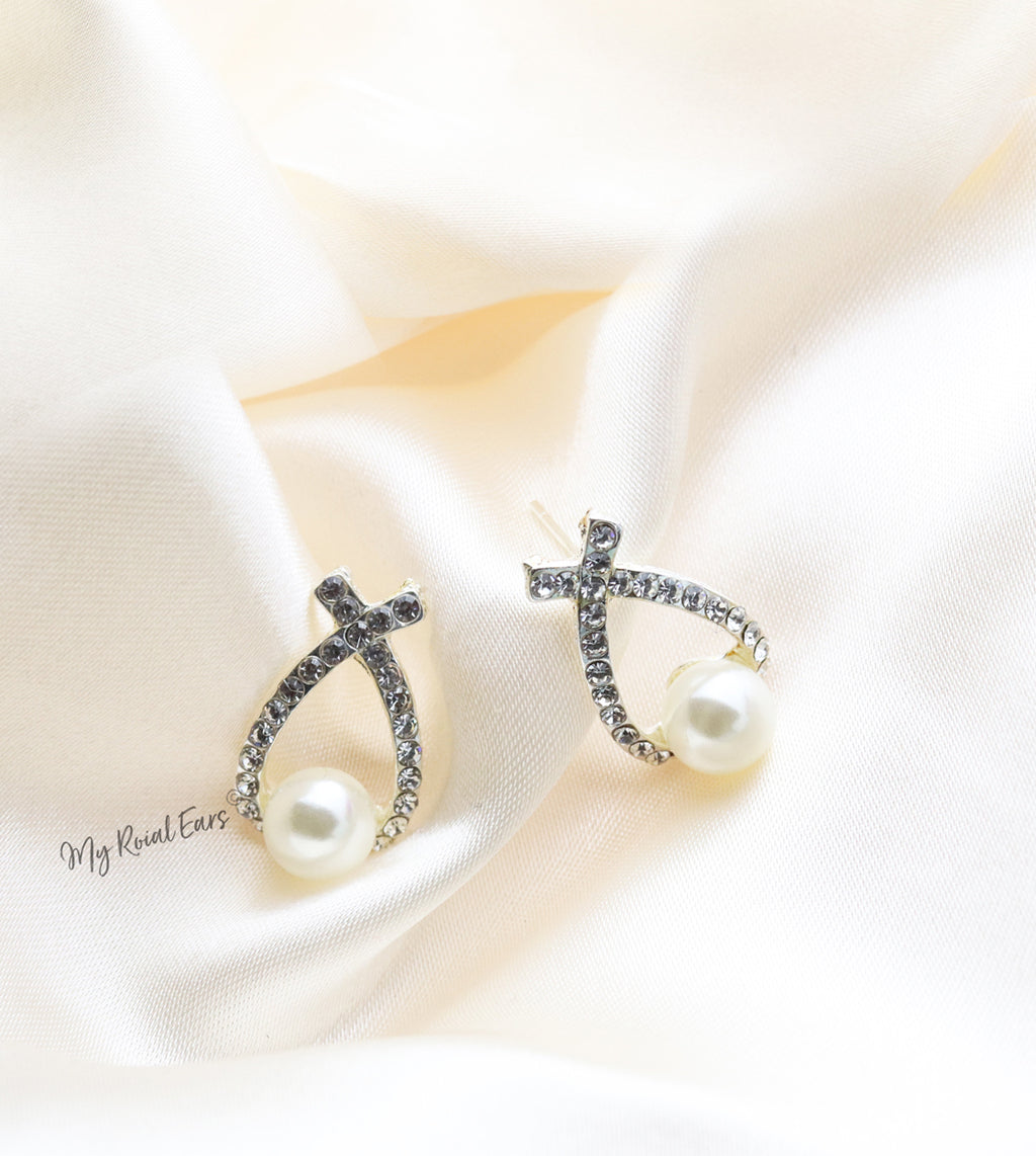 Q.Yasmin Stud-stunning statement rhinestone pearl bridal stud earrings - My Roial Ears LTD