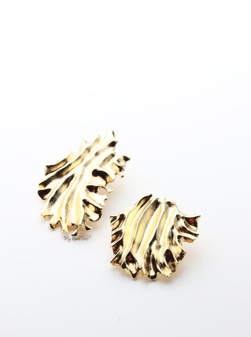 Catia-small and large striking wavy pattern statement stud - My Roial Ears LTD
