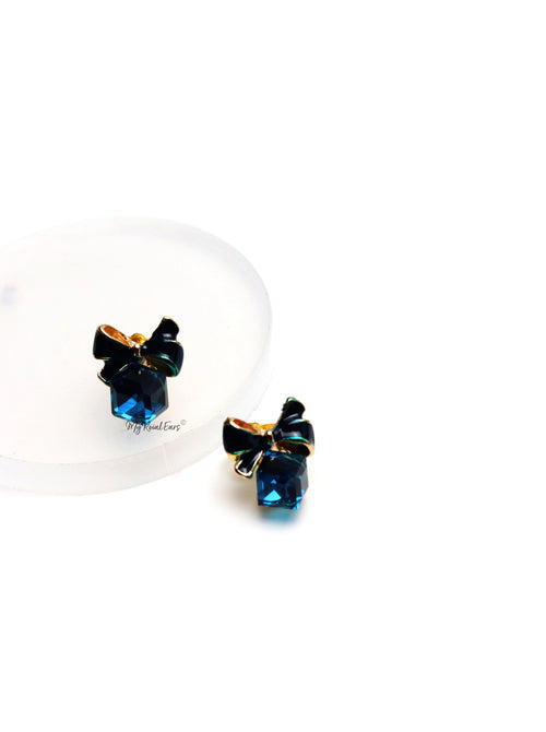 Sesilee L Blue-small bow cube stud earrings