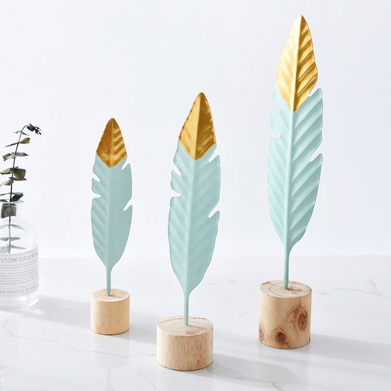 Modern Iron Feather Wooden Base Decorations