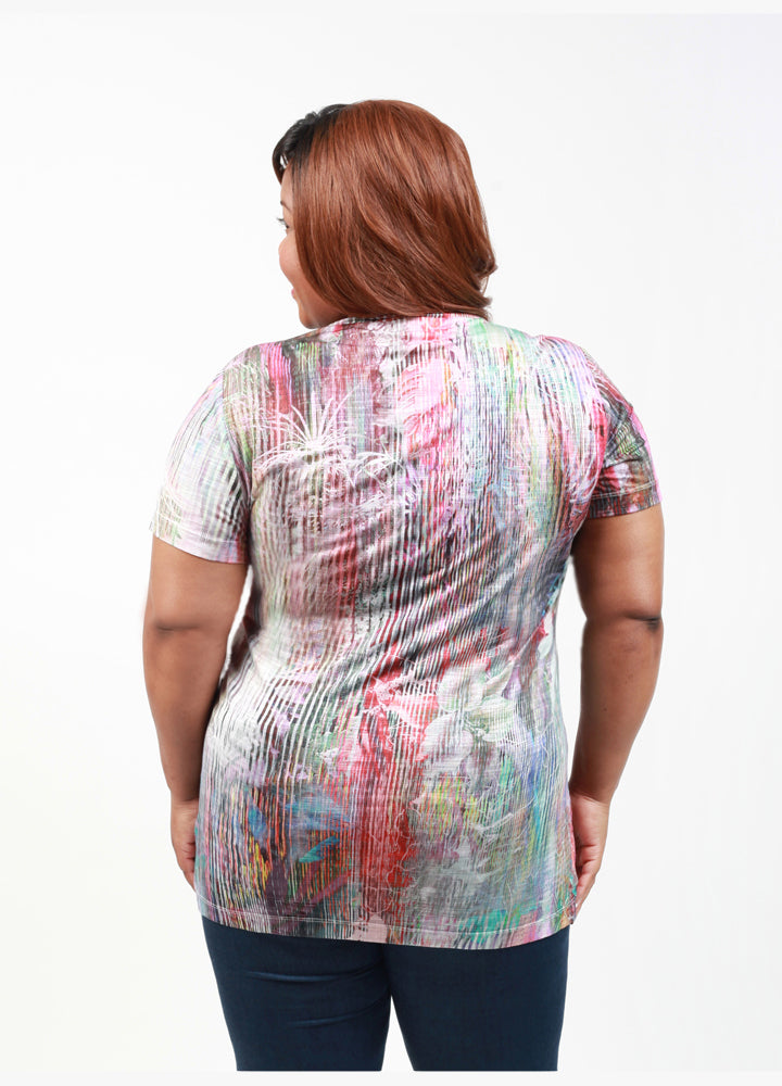 CURVY SHORT SLEEVE V-NECK PLUS SIZE T-SHIRT IN ABSTRACT FLORAL PRINT