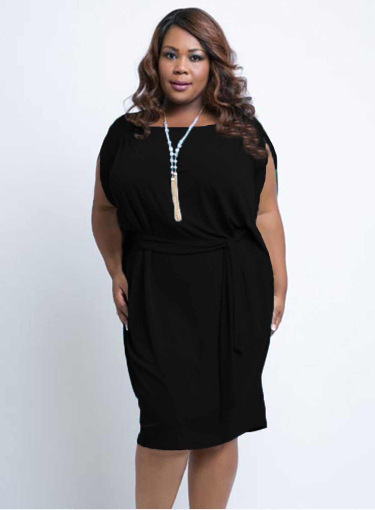 RELAXED FIT CURVY BLACK SLEEVELESS PLUS SIZE DRESS WITH TIE BELT