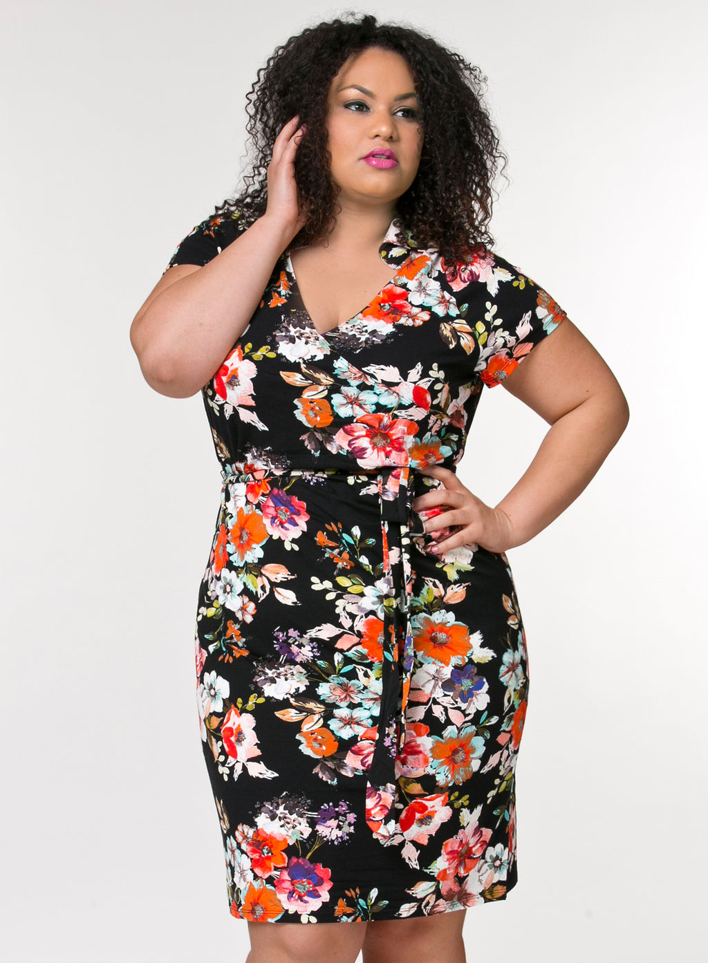 CURVY BLACK FLORAL PLUS SIZE WRAP SURPLICE FRONT DRESS WITH CAP SLEEVES